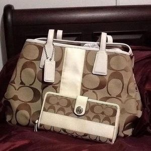 Coach set bag and wallet